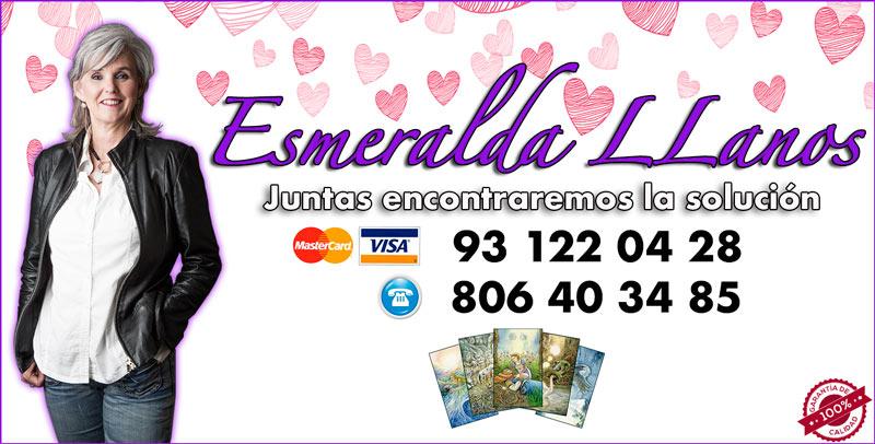 Esmeralda LLanos Vidente de nacimiento y Tarotista buena y barata