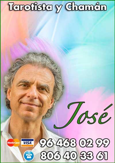 José - tarotista profesional